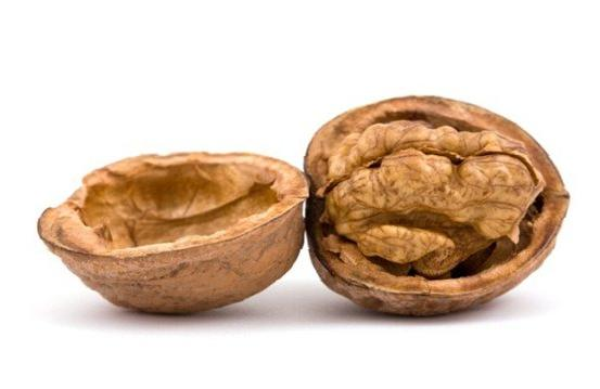 польза и вред грецкого ореха